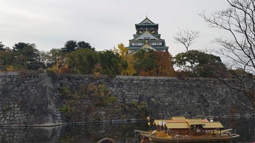 大阪城とお堀